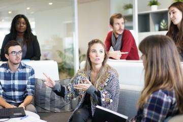 limportance-doptimiser-entreprise-avec-outils-communication.png